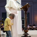 Pope Francis with child 10-26-13